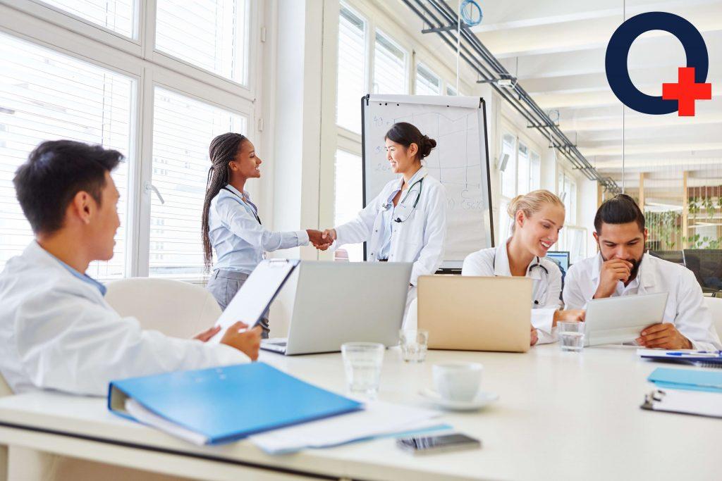 Apply to the travel agency | nurse shaking hand | originnurses.com